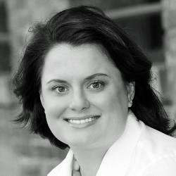 Julia Clayton photo